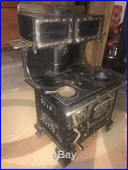 19th Century Majestic Junior Rare Antique Salesman Sample Cast Iron Stove
