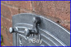 37.3 x 31.5 cm cast iron fire door clay / bread oven doors pizza stove fireplace