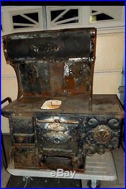 Antique Cast iron stove Acme Triumph, Newark Stove Works Chicago