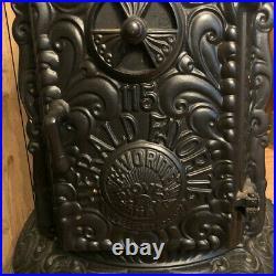 Antique Favorite Co. Cast Iron Radiant Parlor Stove 1920-30