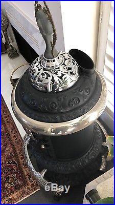 Antique cast iron Round Oak M16 parlor stove P. D. Beckwith, Unique Artifact