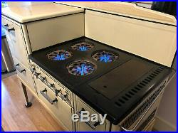 Beautiful vintage (1930s) Spark cast-iron gas range in great condition