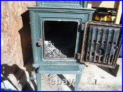 Jotul 118 Wood Stove with 28 firebox. Forest green