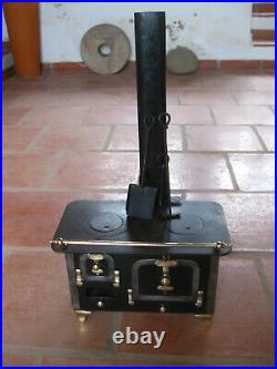OLD PORTUGAL SALESMAN SAMPLE CHILD TOY DOLL HOUSE MINIATURE IRON STOVE RARE 19t
