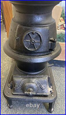Prizer & Painter Pot Belly Stove Cast Iron Parlor Stove, No. 17B Reading PA