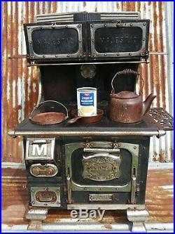 RARE Antique MAJESTIC JUNIOR 1800s Cast Iron Salesman Sample Child's Toy Stove
