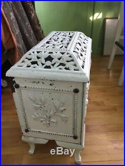 VINTAGE CAST IRON WOOD BURNING PARLOR STOVE Antique Mirus Parlor Pick Up Only