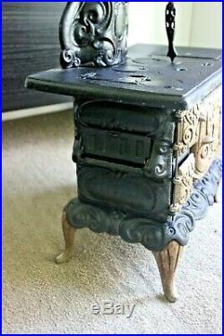 VTG Salesman Sample'Dolly's Favorite' Cast Iron Heating Wood Burning Stove Oven