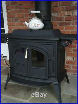 Vermont Castings Vigilant Wood/Coal Stove with accessories For Sale
