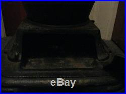 Vintage UMCO 28 Cast Iron Pot Belly Stove & Lamp