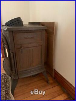 Wood stove Vermont Castings Defiant 1910